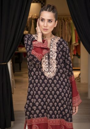 AJRAK BLACK TRIANGLES by Sophia