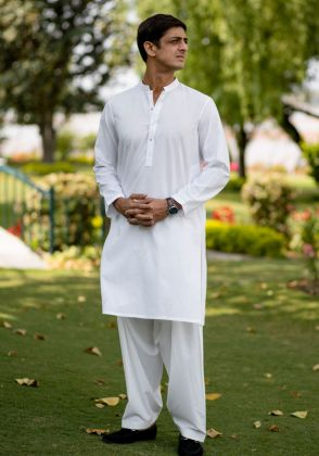 White Floral Kurta by Indus Heritage Trust
